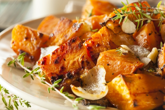 Sweet potato made with herbs and onions