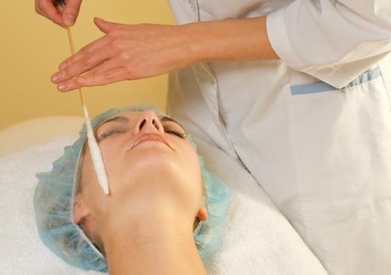 Cryogenic skin treatment